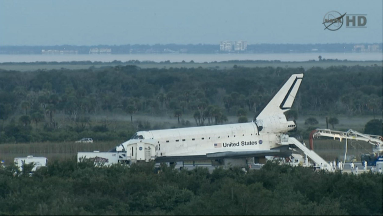 As Space Shuttle Era Ends, NASA Pride Reigns From Runway to Mission Control
