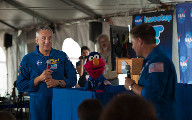 NASA's Twitter Wins Shorty Award for Social Media