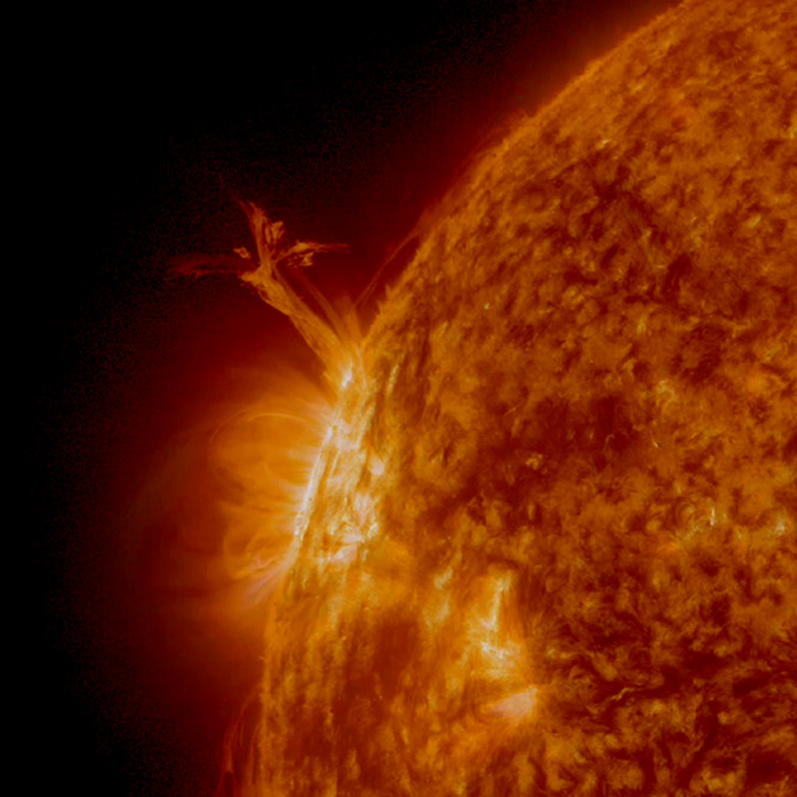 Massive Sun 'Twister' Swirls Up 12 Earths High