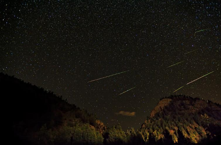 Perseid Meteor Shower Light Show Peaks Tonight