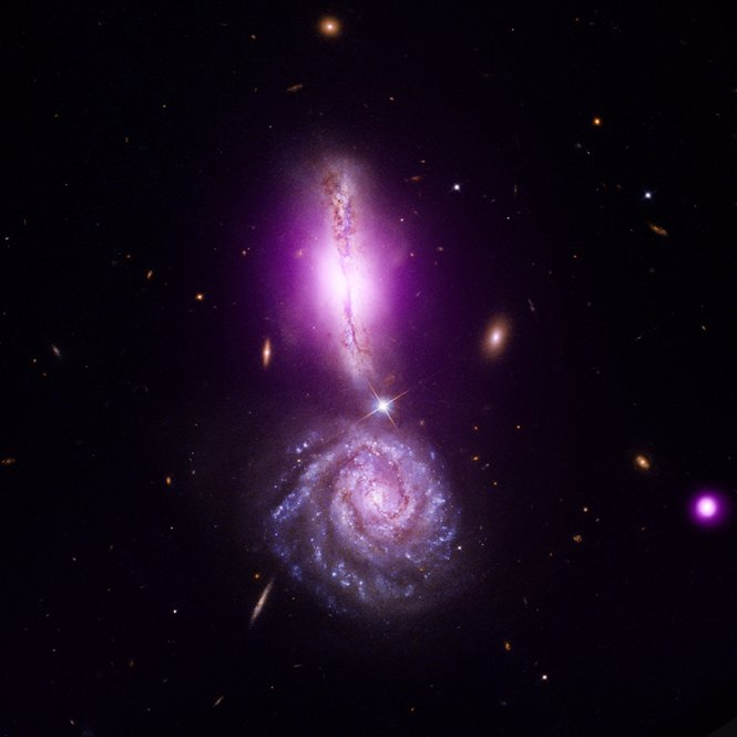 Colliding Galaxies Form Exclamation Point in Space