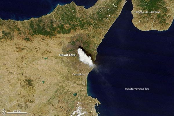 Mt. Etna's Violent Bursts Spotted from Space