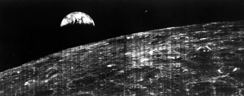 45 Years Ago: How the 1st Photo of Earth From the Moon Happened
