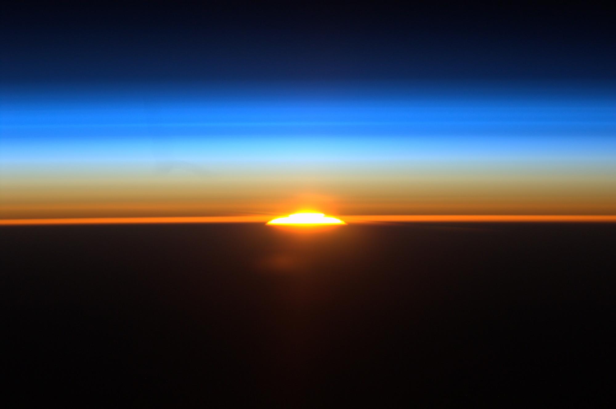 Space Sunrises, Galaxies, Mars Lakes & More