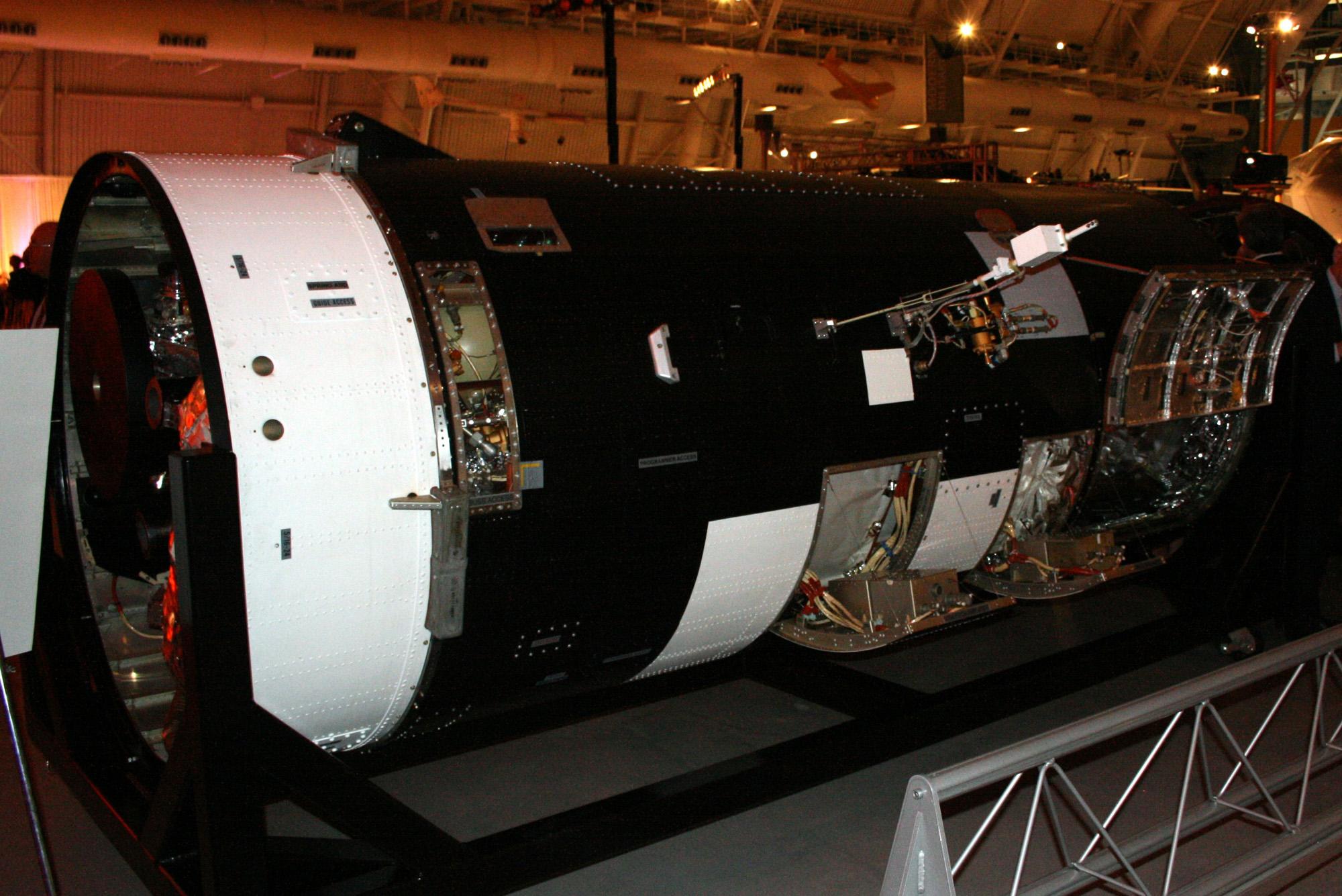 KH-7 GAMBIT Spy Satellite: Side View