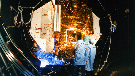 The ROSAT satellite undergoing tests in the space simulation chamber at Dornier.