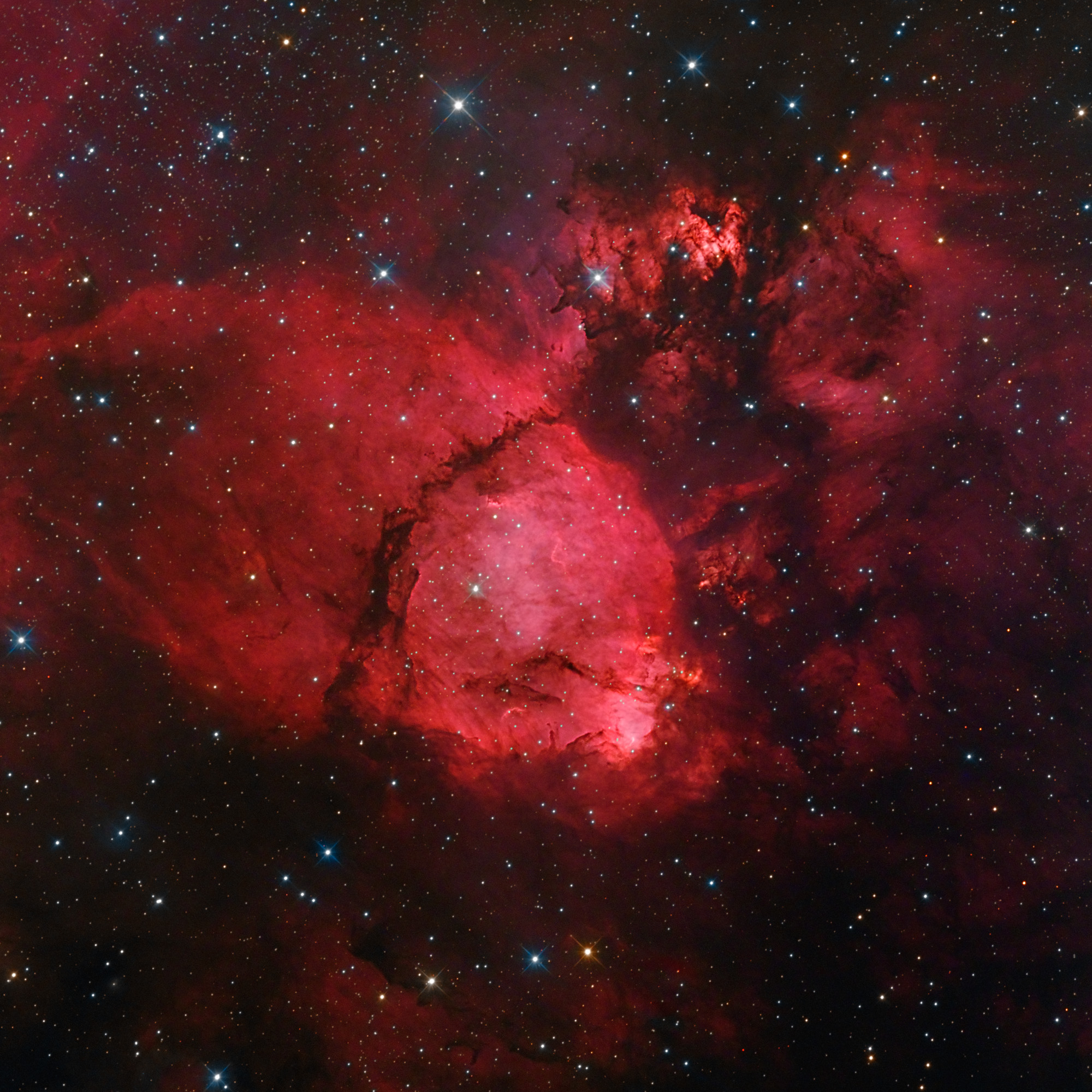 Skywatchers Find Striking View Deep in the Heart Nebula