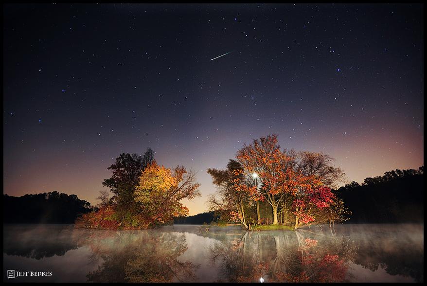 2011 Orionid Meteor Shower Dazzles