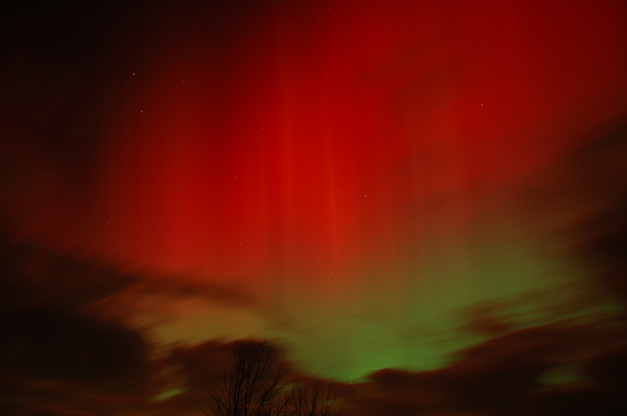 Skywatcher Tom Pruzenski snapped this view of the Oct. 24, 2011 northern lights display while watching the rare red northern lights with his brother Chris on Oct. 24, 2011 from Hemlock, NY.