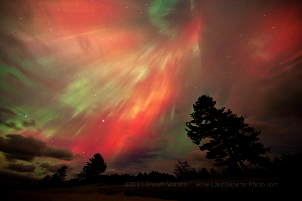 Spectacular Northern Lights Display Leaves Skywatchers Spellbound