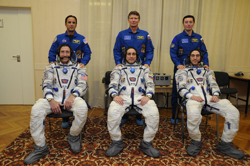 Expedition 29 Crew Seated Pose