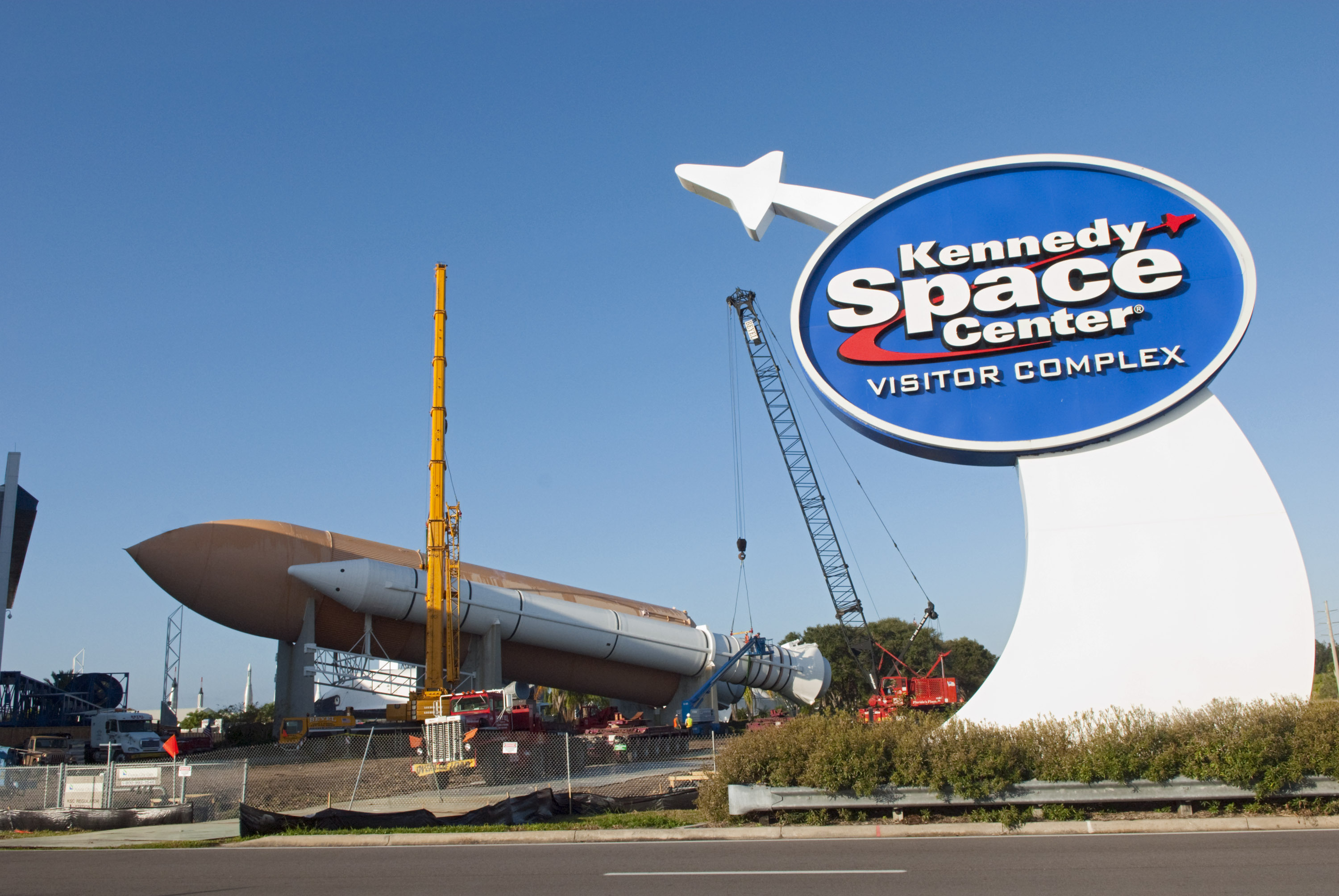 Kennedy Space Center Visitor Complex Preparing for Shuttle Display