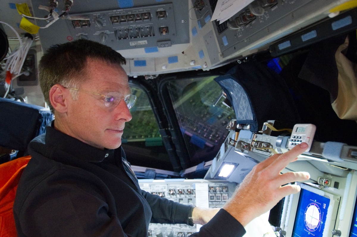 Final Space Shuttle Commander Leaving NASA