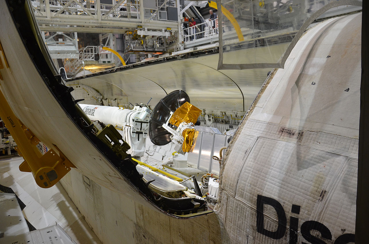 Space Shuttle Discovery Payload Bay Doors Final Closure