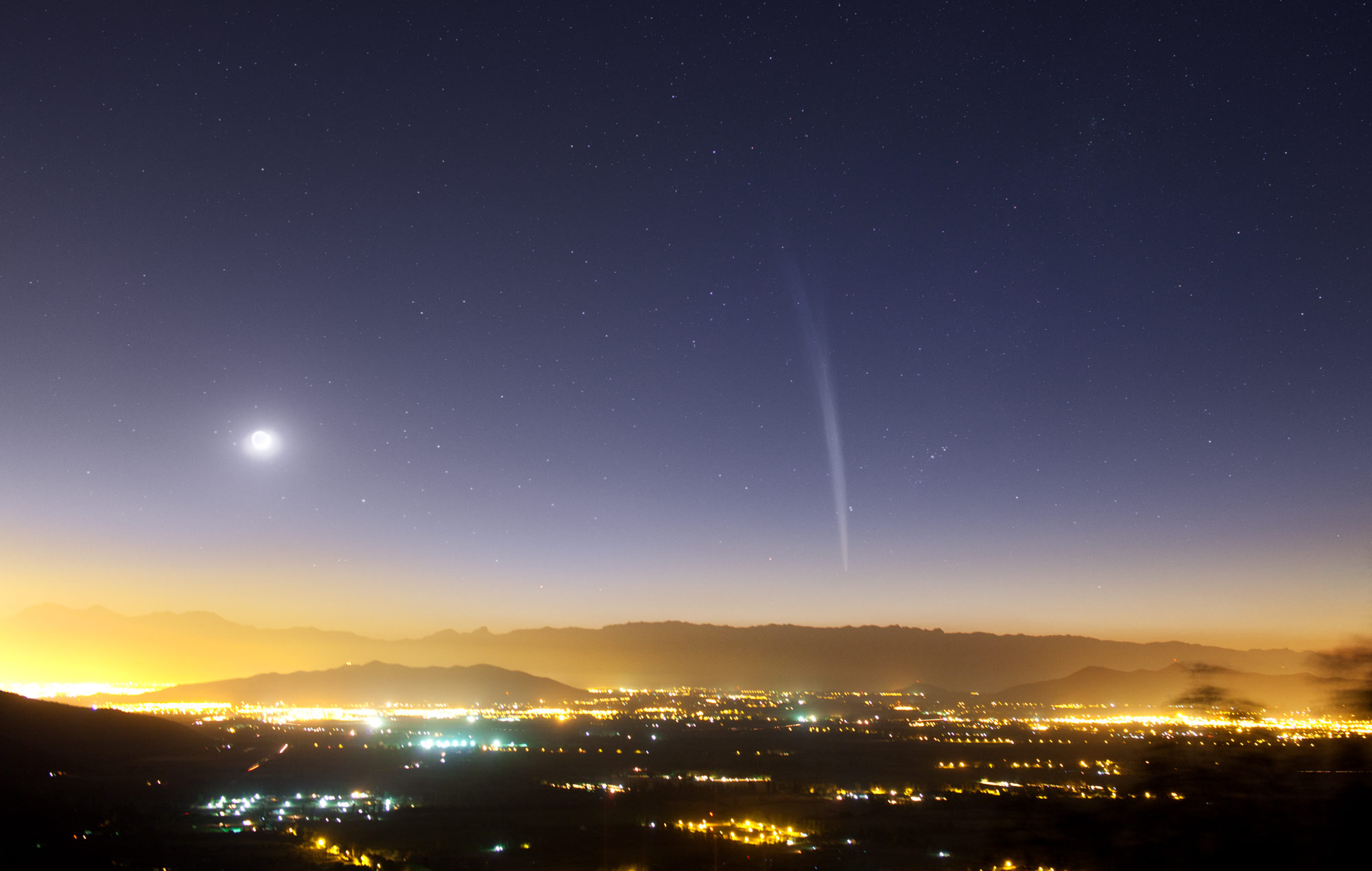 Comet Lovejoy Over Santiago de Chile