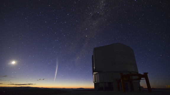 This photo comes from a time-lapse sequence taken by Gabriel Brammer from ESO just two days ago on 22 December 2011. Gabriel was finishing his night shift as support astronomer at the Paranal Observatory when the comet rose over the horizon just before dawn.