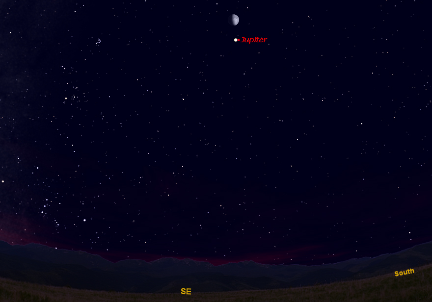 See Moon & Jupiter Shine Together in Tonight's Sky