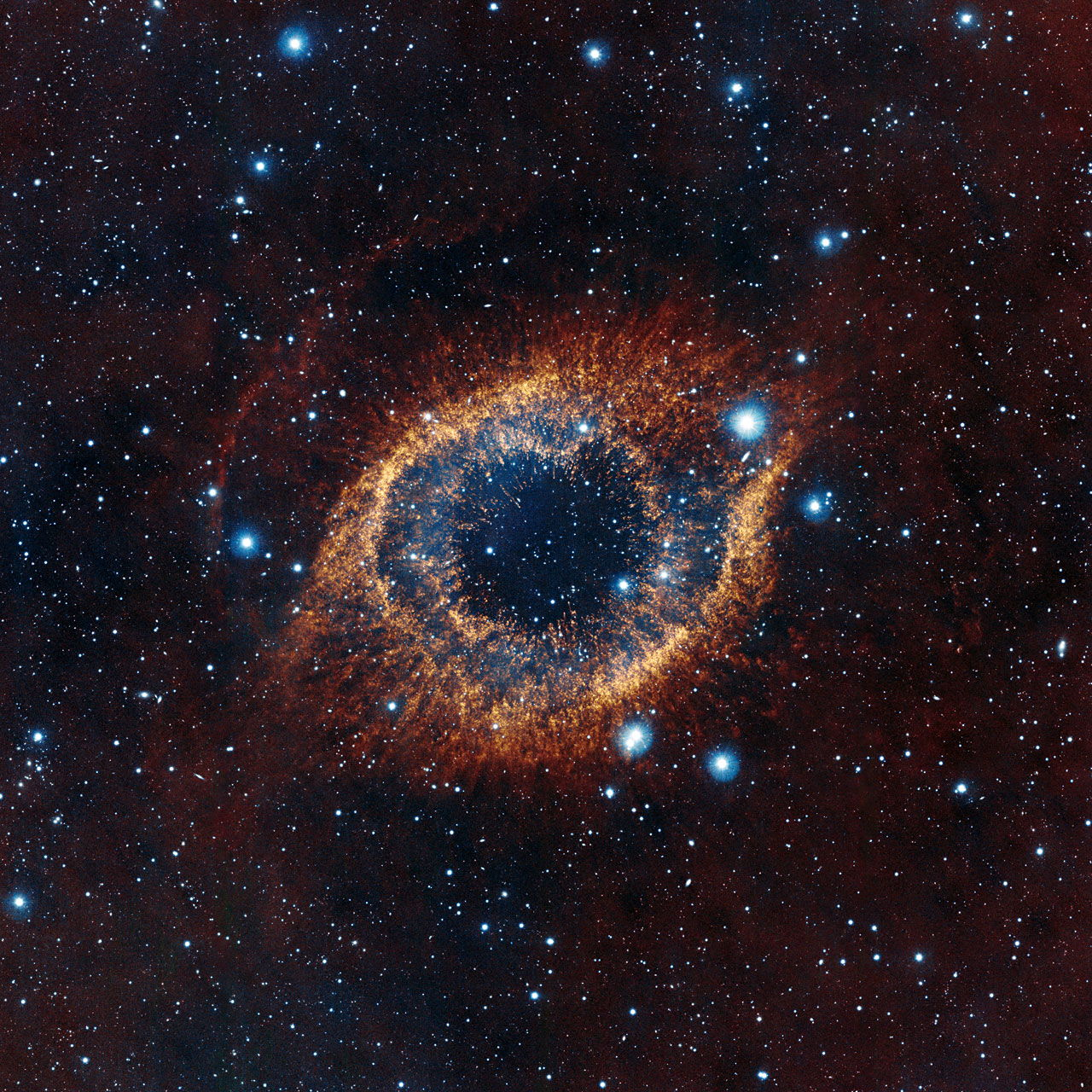 Helix Nebula Gleams Like a Golden Eye in New Photo