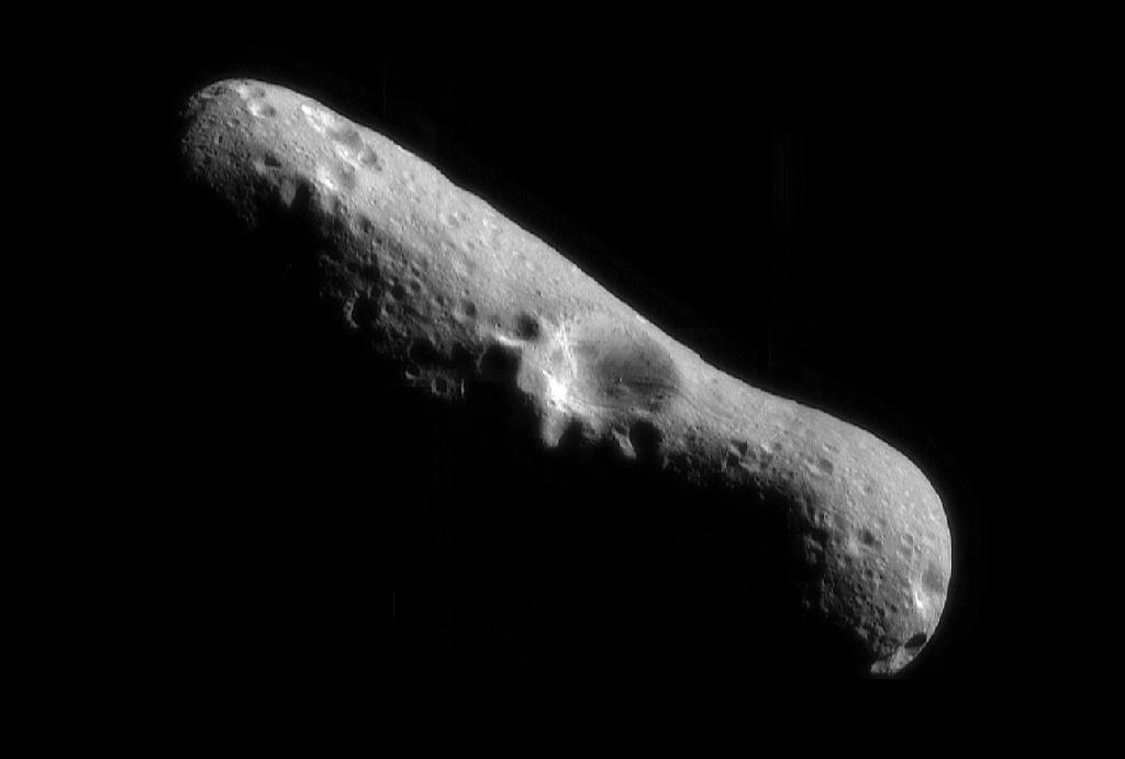 Space Rock of Love: Asteroid Eros Attracts Skywatchers in Earth Flyby