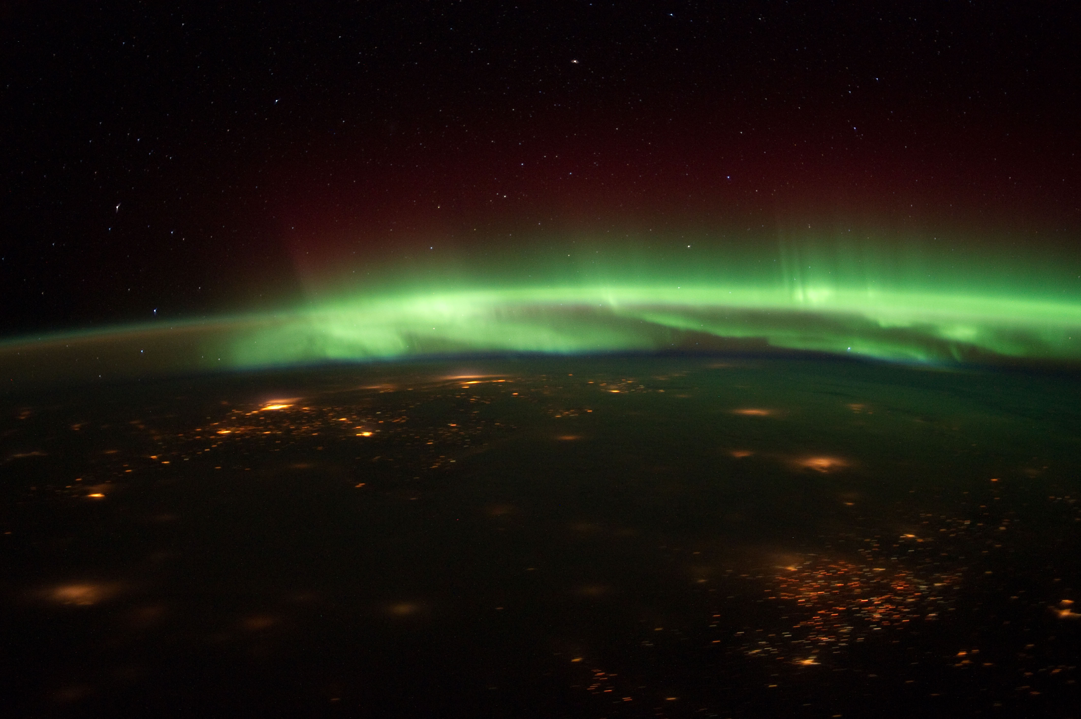 Astronauts Snap Amazing Northern Lights Videos From Space