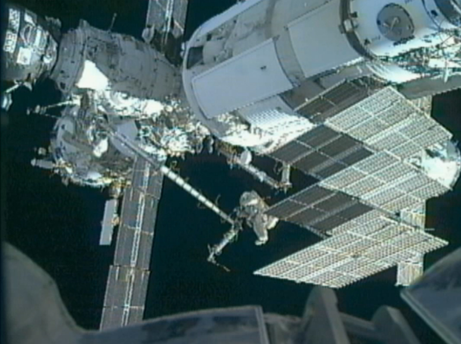 2 Russian Cosmonauts Move Space Station Crane in 6-Hour Spacewalk