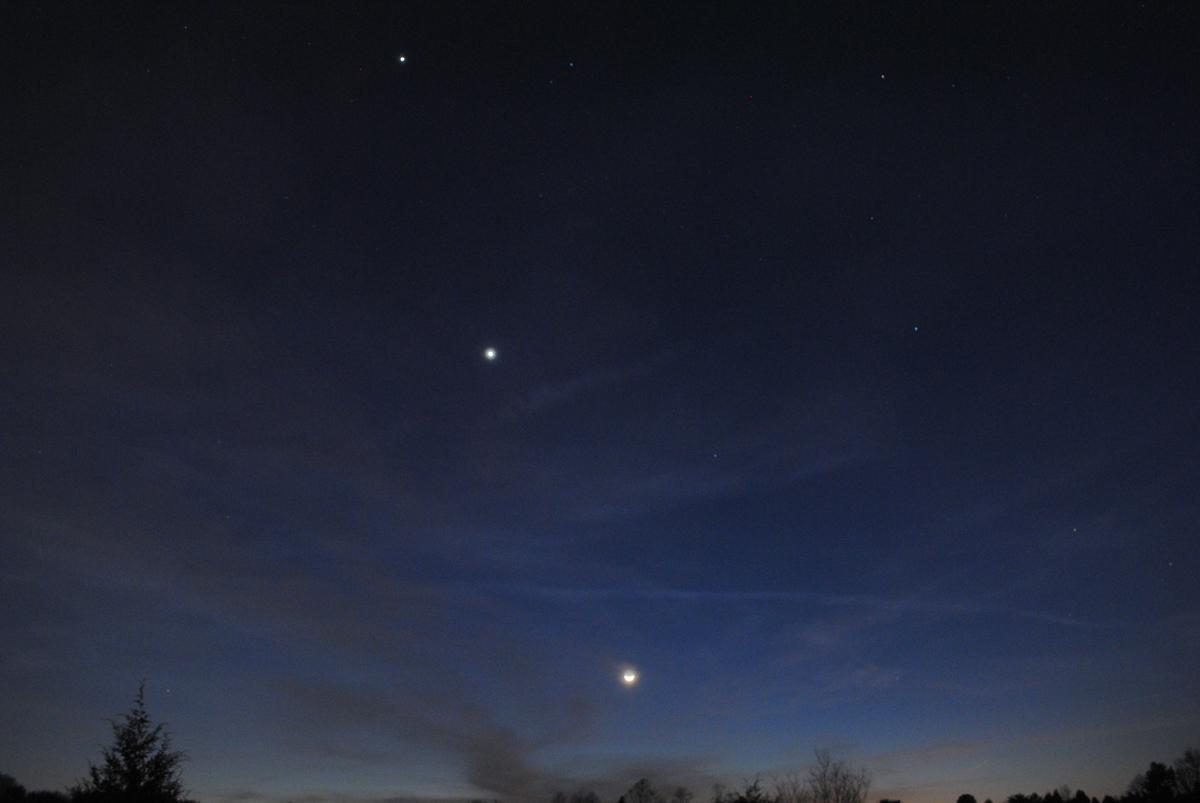 See Venus, Jupiter & Moon Align in Weekend Celestial Show