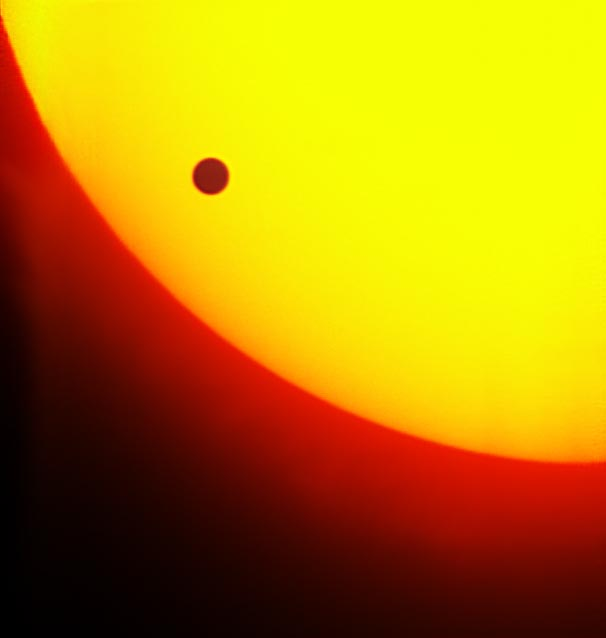 Hubble to Watch Historic Venus Transit, Using Moon as Mirror