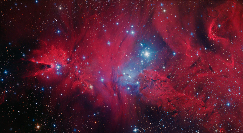 Two Nebulas Glow Together in Stunning Skywatcher Photo