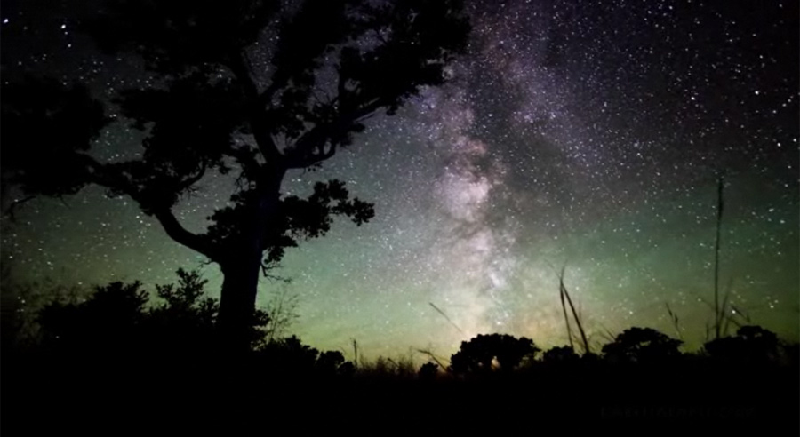 Skywatcher Creates Stunning Time-Lapse Video of Night Sky Majesty