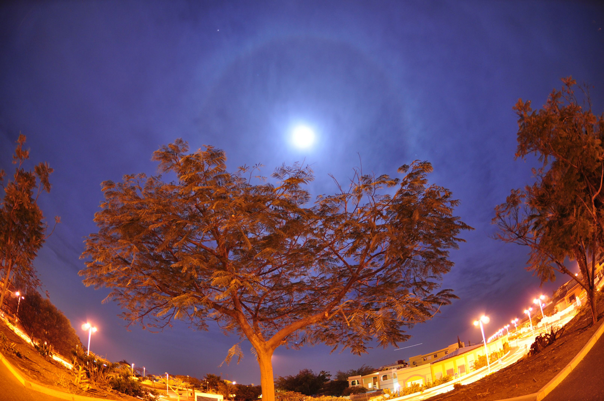 Mars and Moon Halo over Tenerife