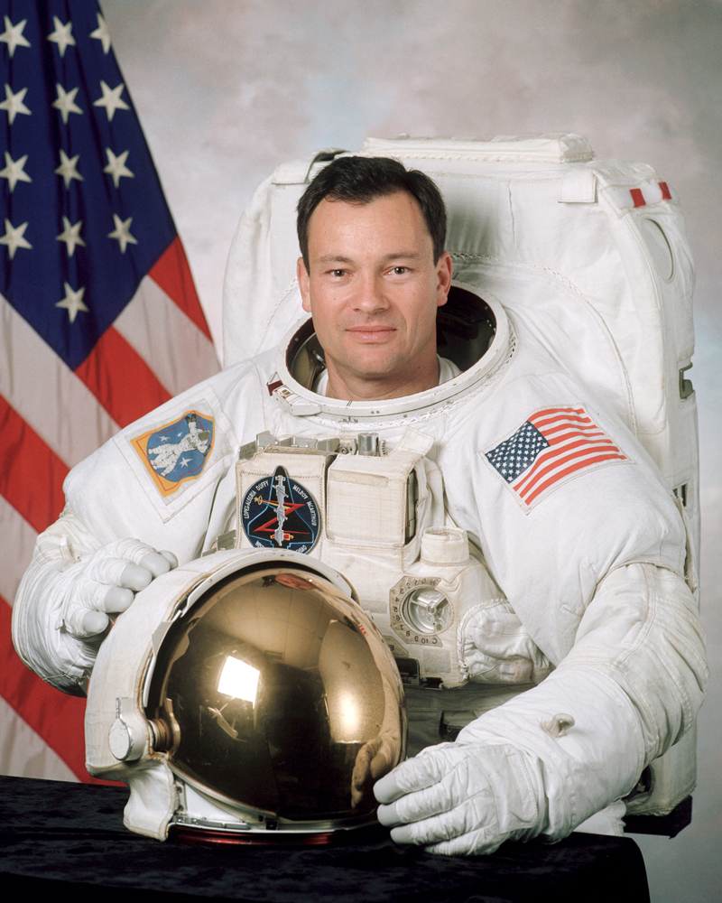 Veteran Astronaut Leaves NASA for Private Space Sector