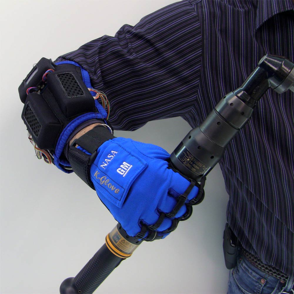 NASA's Robot Glove Lends a Cyborg Hand to Astronauts