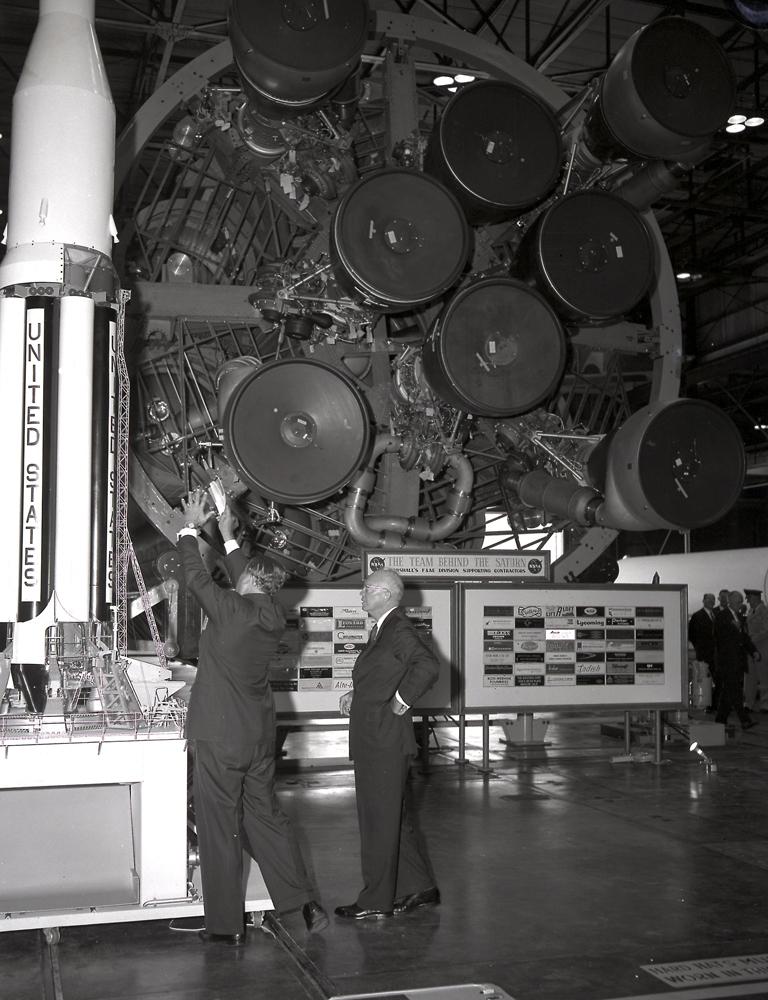Von Braun and President Eisenhower