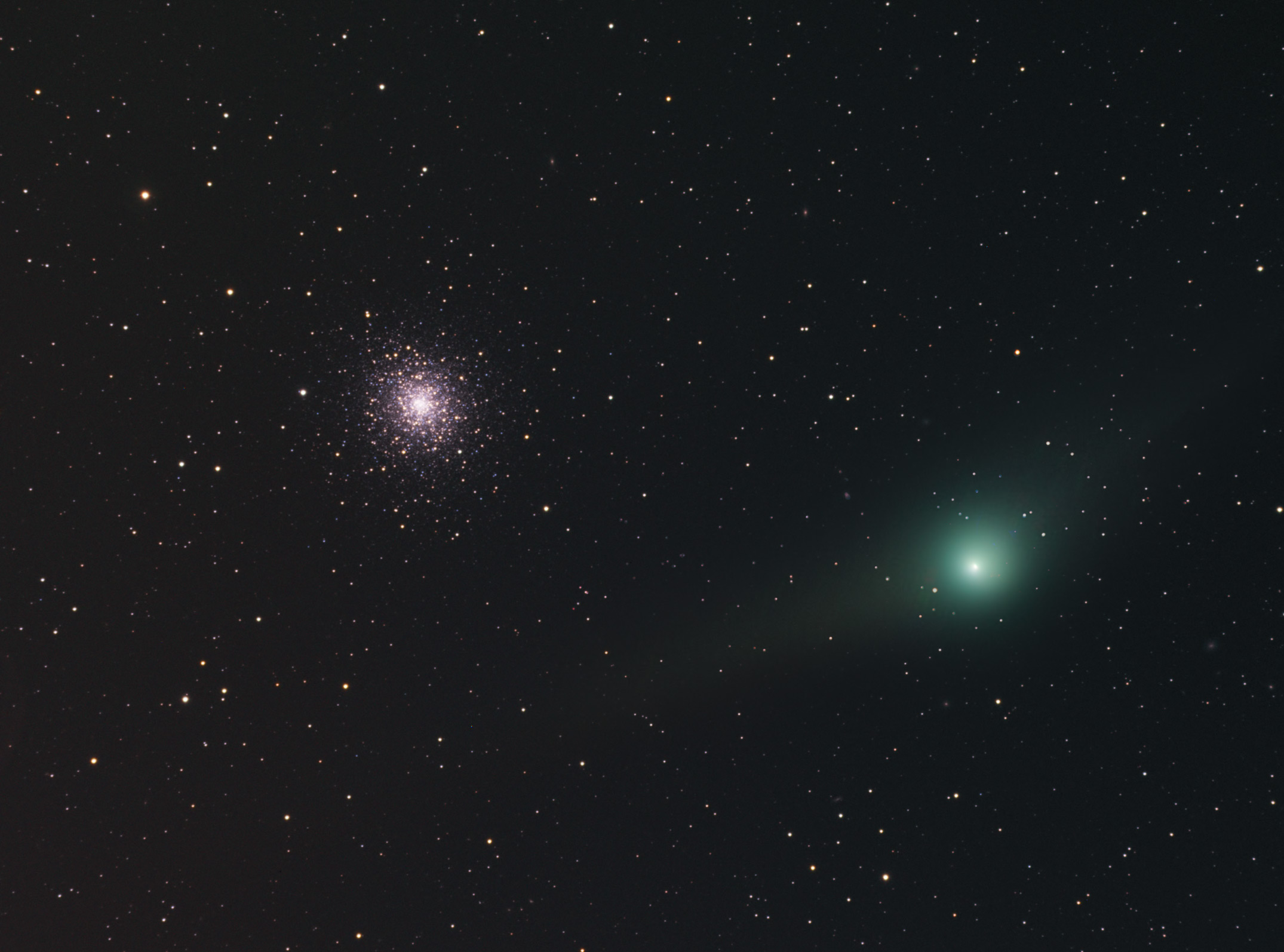 'Two-Tailed Comet' Cruises By Star Cluster in Skywatching Photo