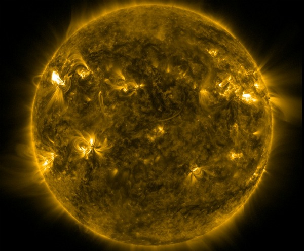 Sun's 'Birthday Candle'-Like Gas Plumes Surprise Scientists