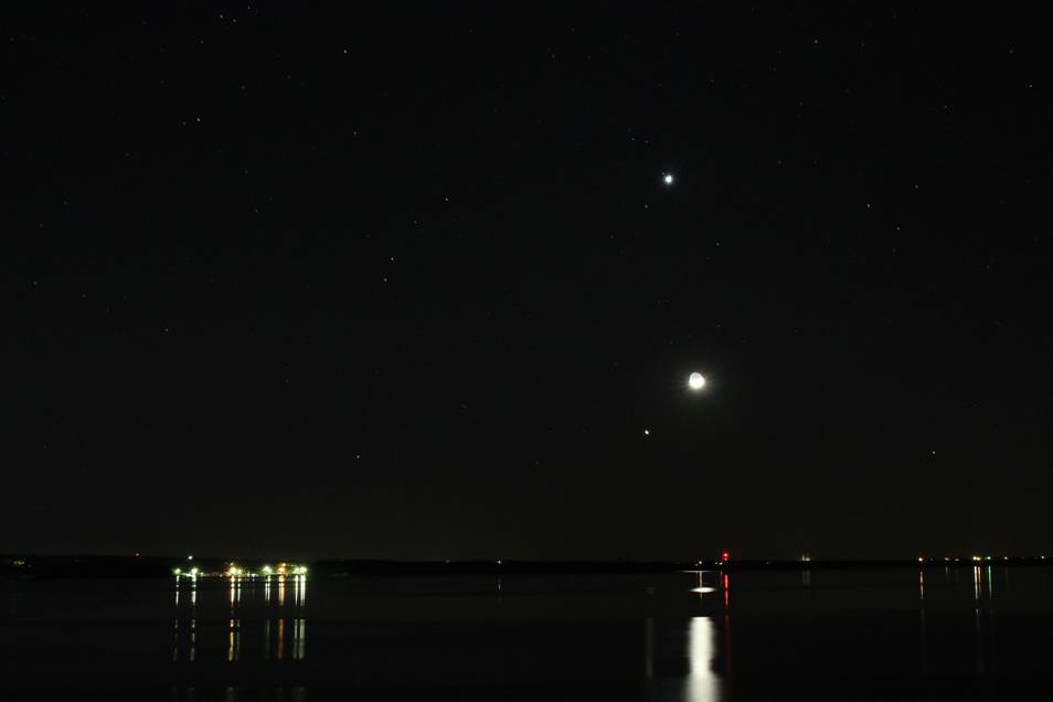 Jupiter, Venus and the Moon over Oklahoma