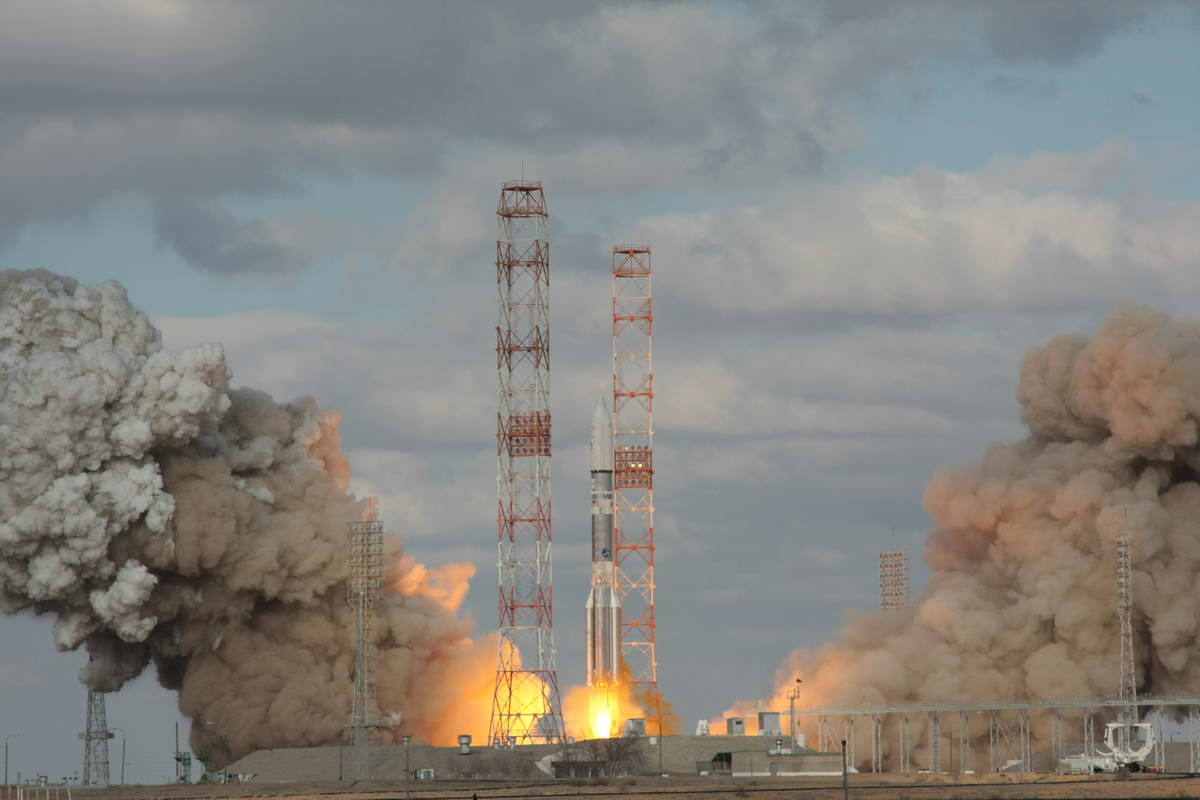 Proton Rocket Launches Intelsat 22 Satellite