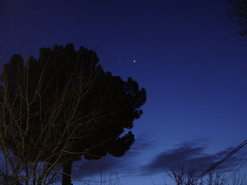 Conjunction Junction: Venus and Jupiter Meet Over Pakistan in Skywatching Photo