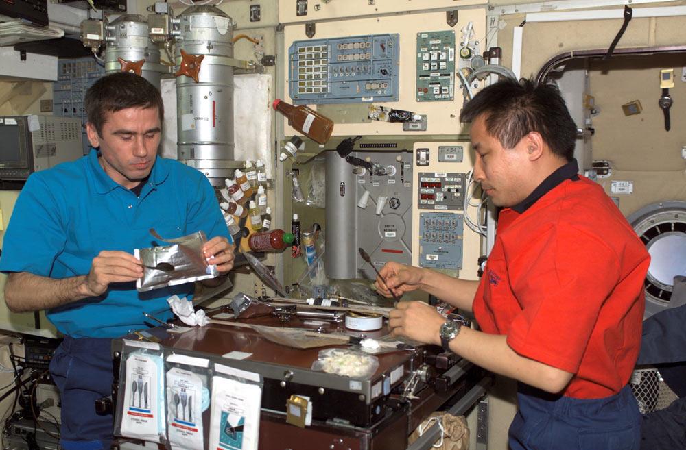Teens Make Flavor Strips for Tastier Astronaut Food