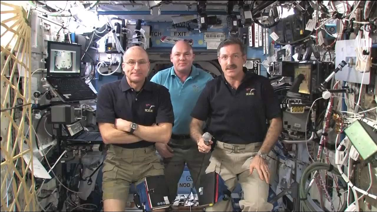 Space Station Crew Set to Welcome 1st Private Cargo Ship