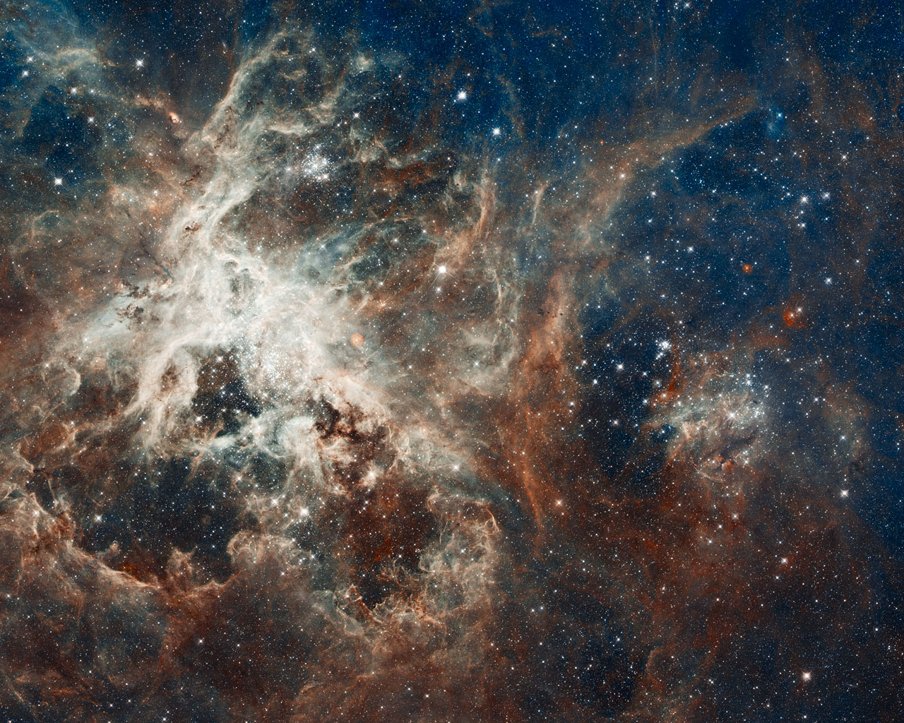 Amazing Hubble Photo Reveals Tarantula Nebula's Star-Filled Web