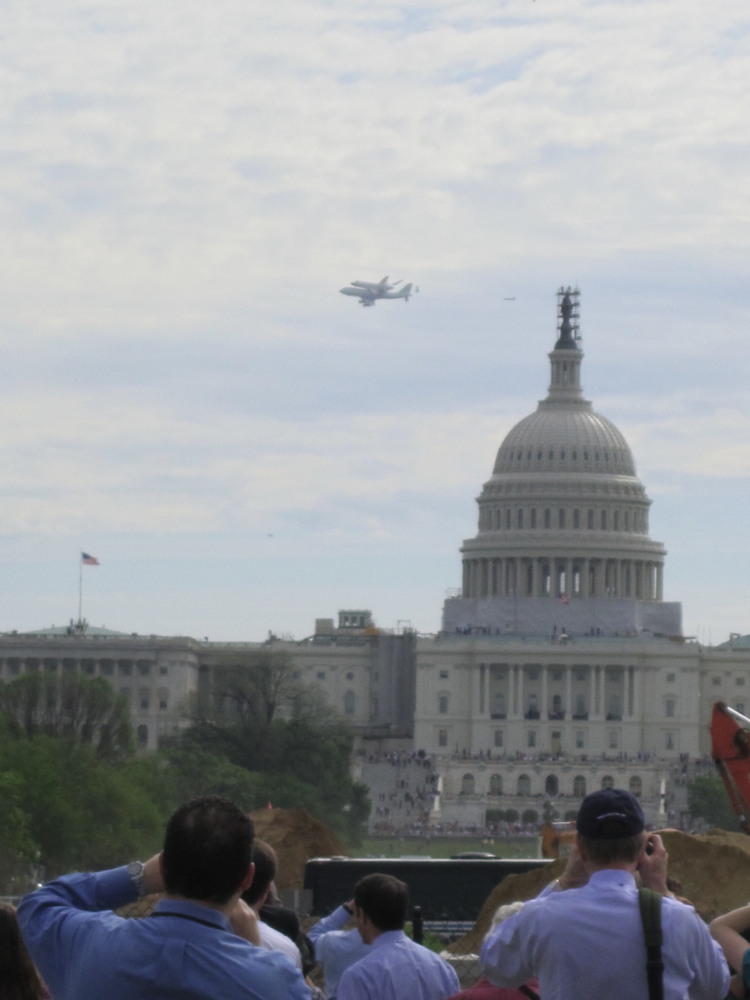 Shuttle Carrier Aircraft Carrying Discovery near Capitol Dome