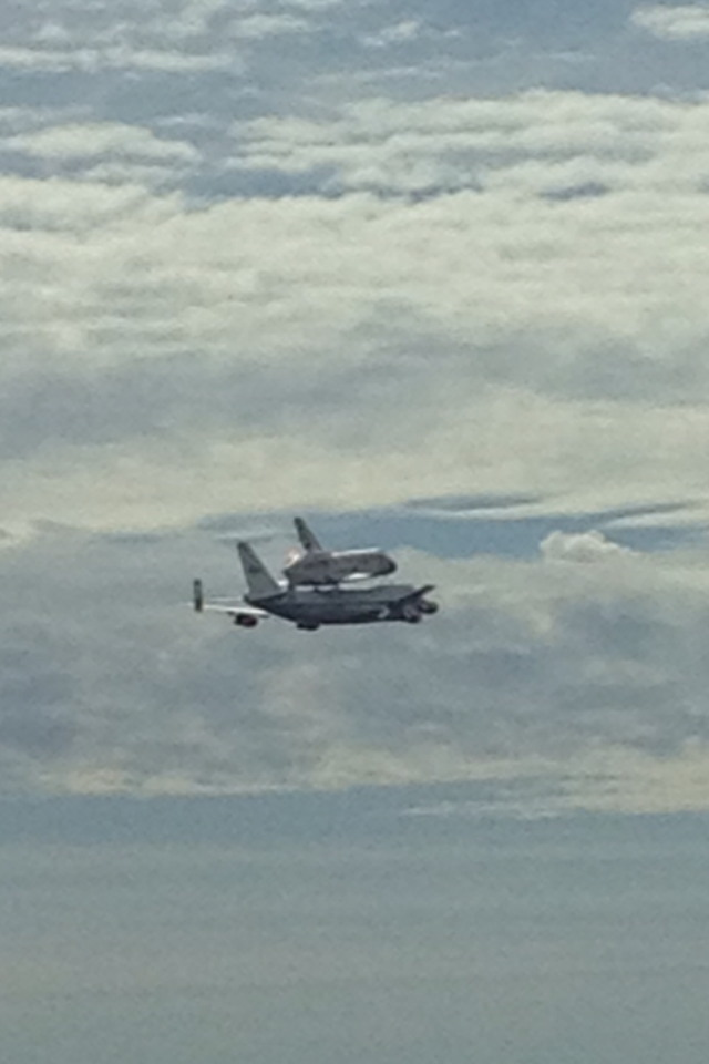 Shuttle Carrier Aircraft and Discovery Flying