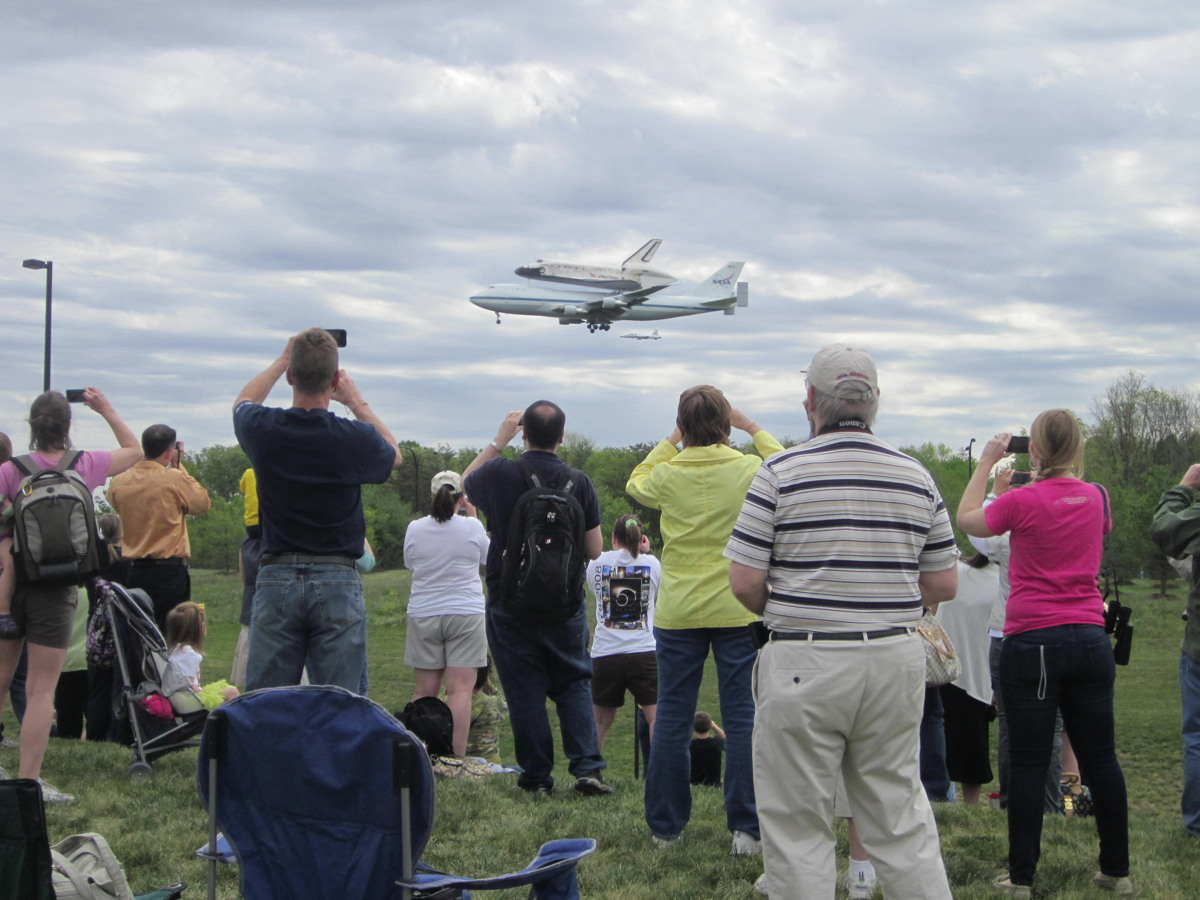 Thousands Cheer Space Shuttle Discovery's Museum Arrival
