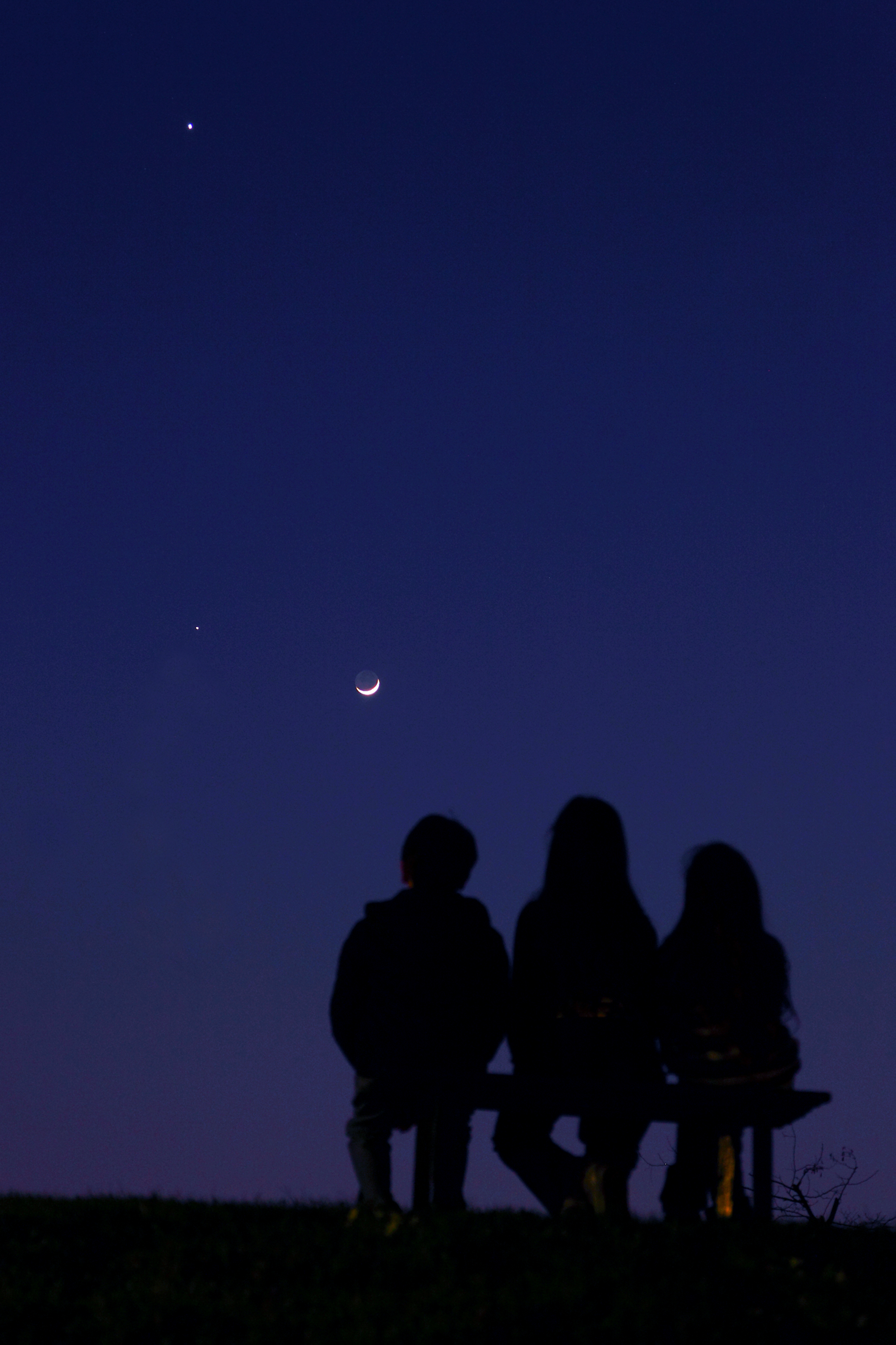 Contemplating the Night Sky: Young Skywatchers Admire Venus, Moon & Jupiter