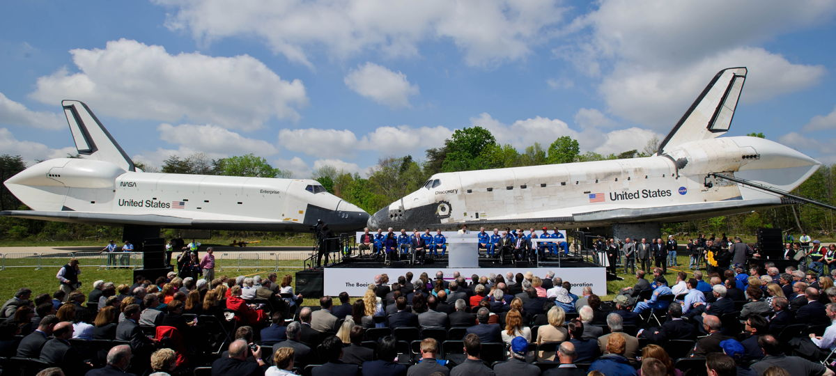 Space Shuttle Discovery Enters Smithsonian for Museum Display