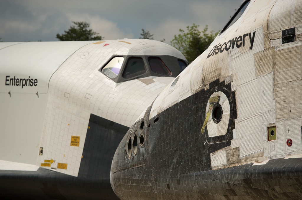 Shuttle Discovery Arrives at Udvar-Hazy