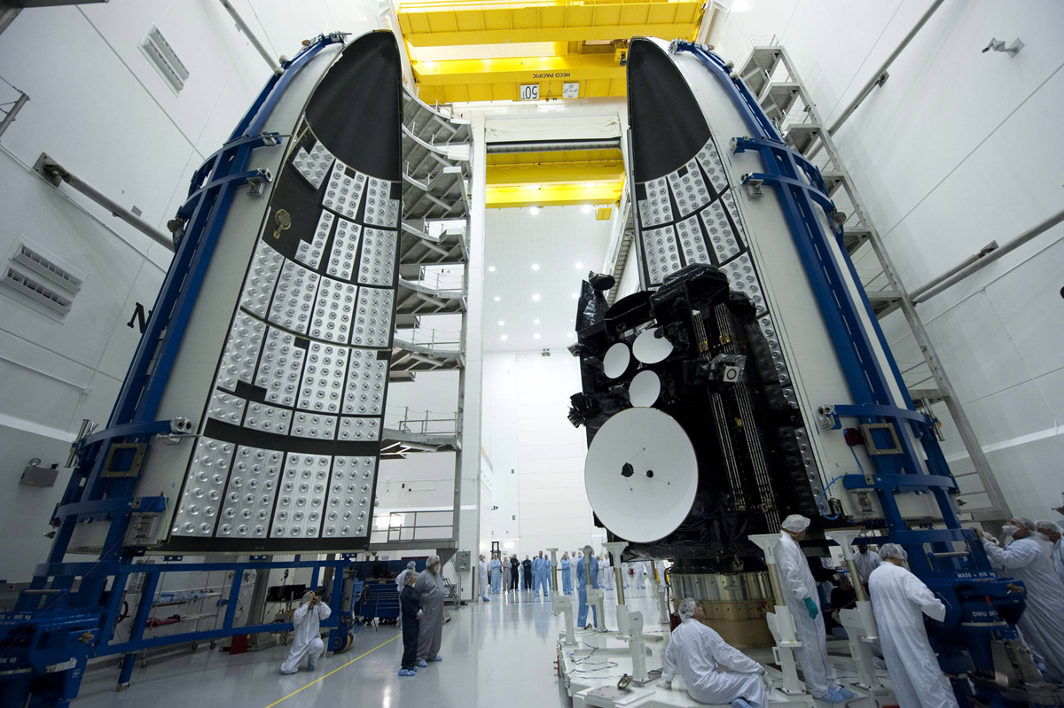 AEHF-2 Satellite Mated to Atlas 5 #4
