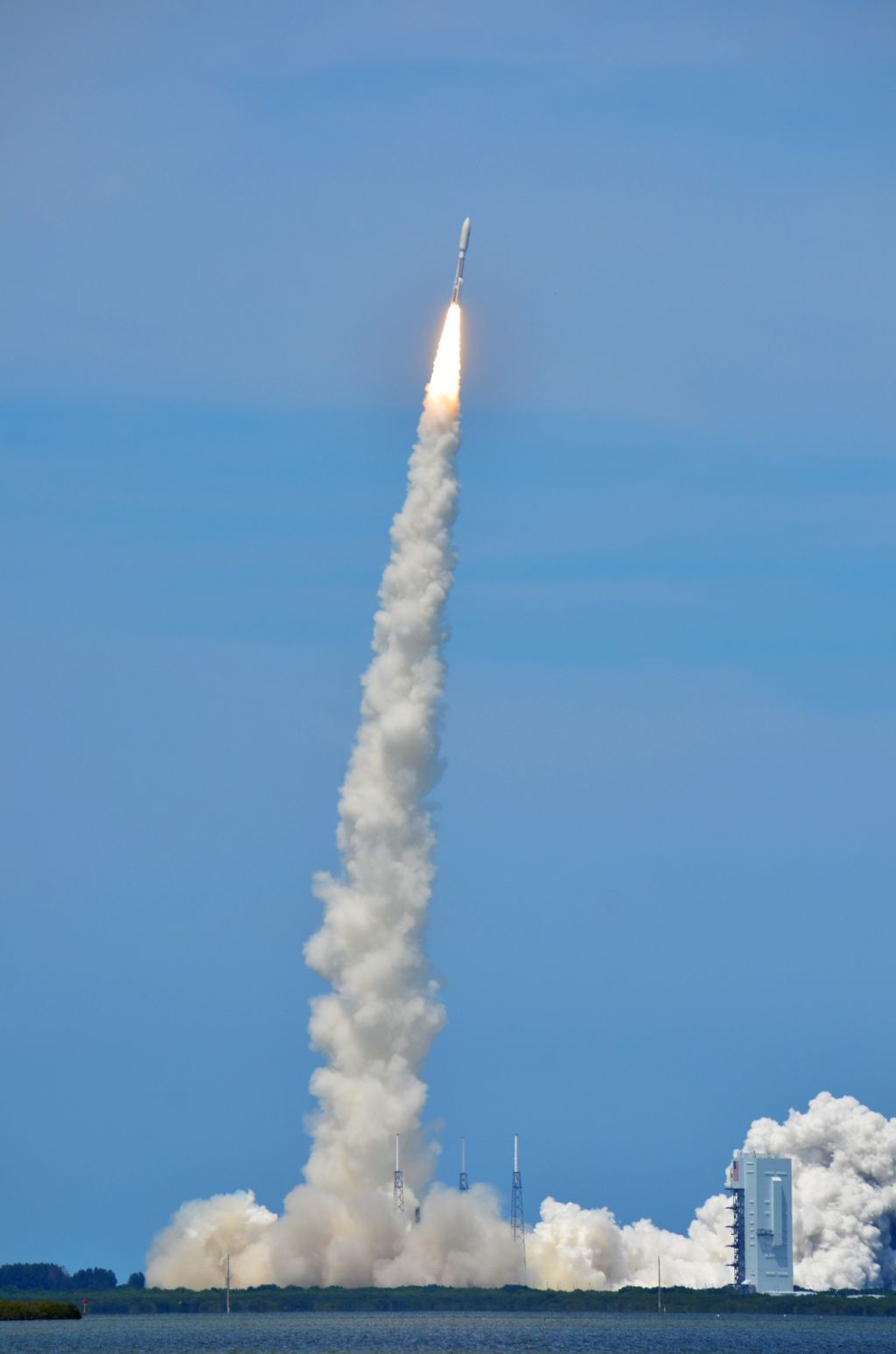 USAF's AEHF 2 Satellite Climbs into the Sky