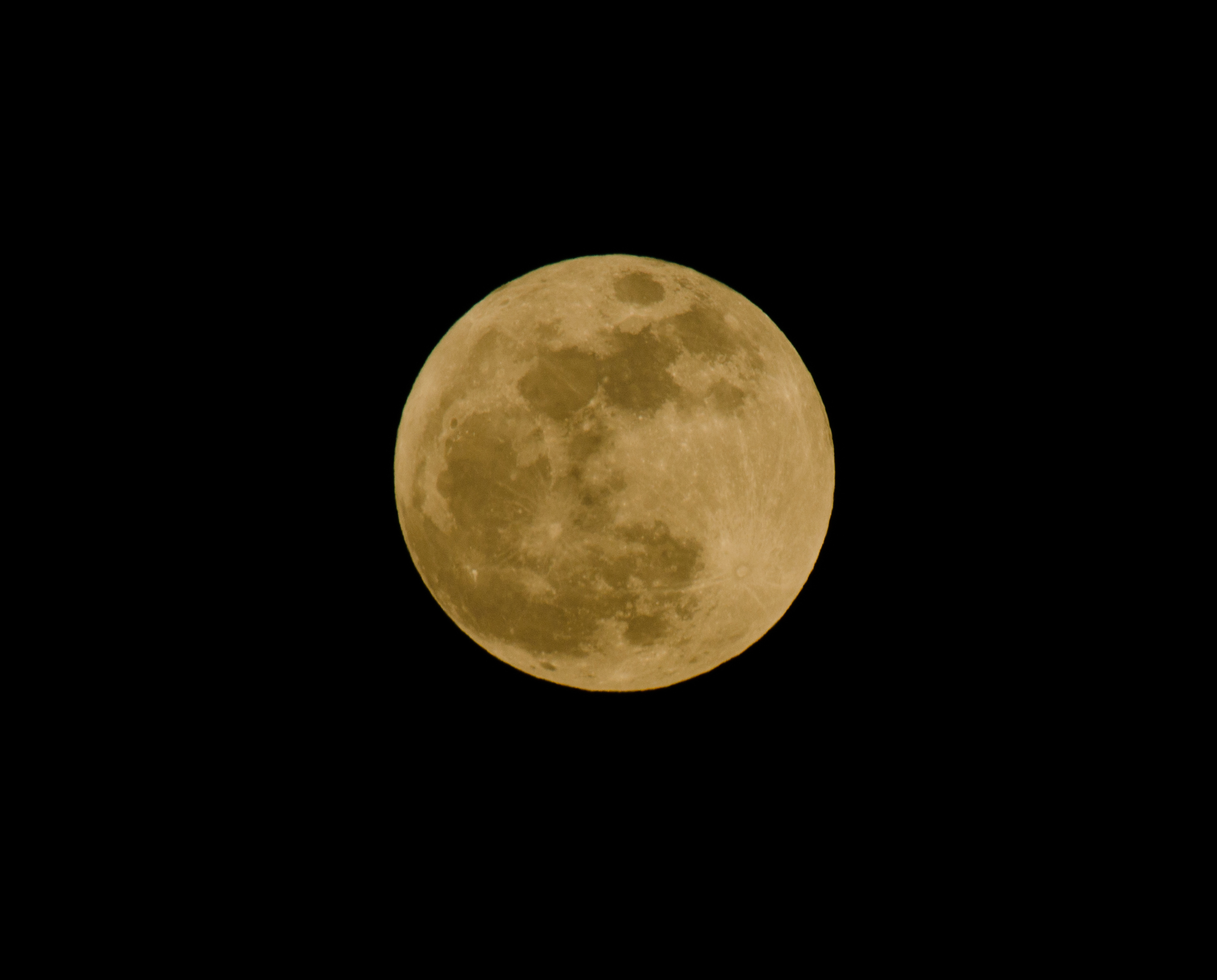 Supermoon 2012 from Walnut Creek, Calif.: Wayne Louie